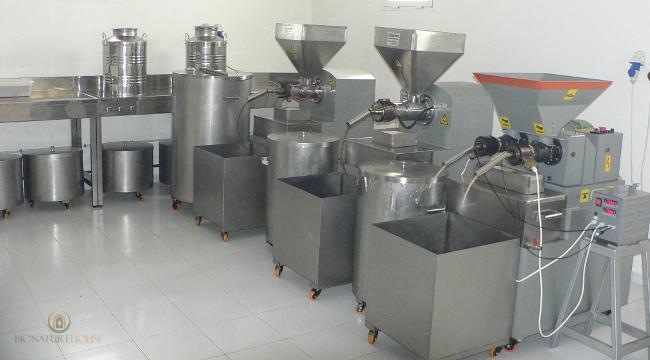 bio Arganöl Kaktusfeigenkernöl nativ kaltgepresst Herstellung Pressung Grosshandel Lieferant Kosmetik Basisöl Marokko feinkost